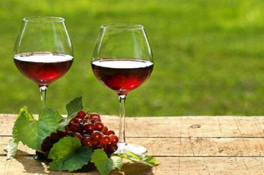 Hướng dẫn cách ngâm rượu nho và những lưu ý khi ngâm rượu nho